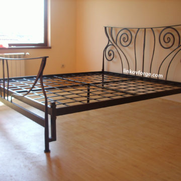 Wrought iron bed<br> 1