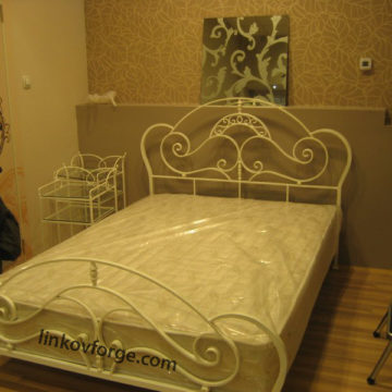 Wrought iron bed<br> 21