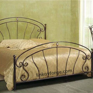 Wrought iron bed<br> 22