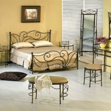 Wrought iron bed<br> 25