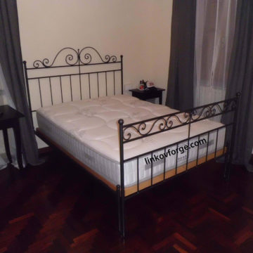 Wrought iron bed<br> 28