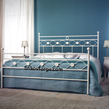 Wrought iron bed<br> 34