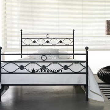 Wrought iron bed<br> 35