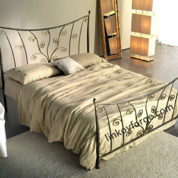 Wrought iron bed<br> 36