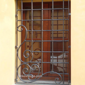 Wrought iron  Grates <br> 8