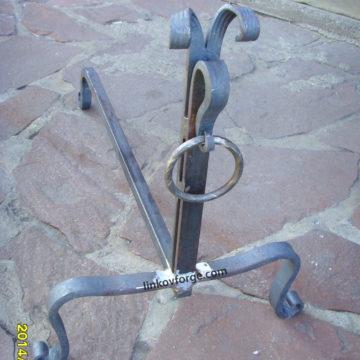 Конче за камина от ковано желязо <br>