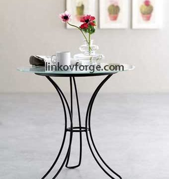 Wrought iron table<br> 16