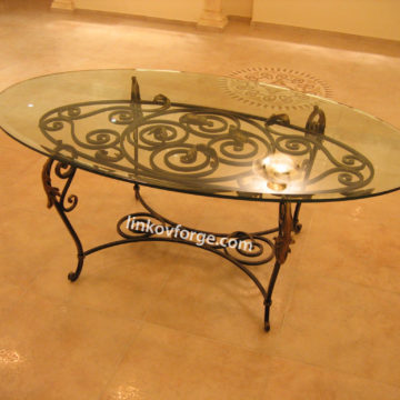 Wrought iron table<br> 18
