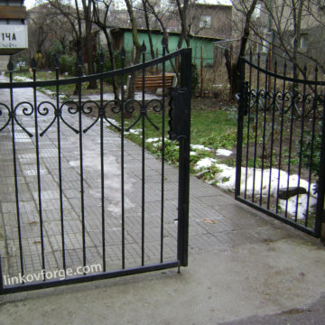 Wrought iron railing <br> 14
