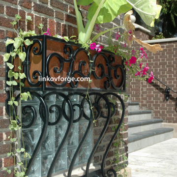 Wrought iron flower-stand <br> 22