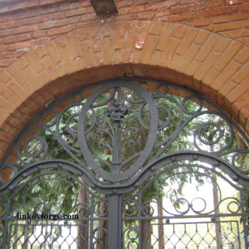 Restoration of wrought iron fence