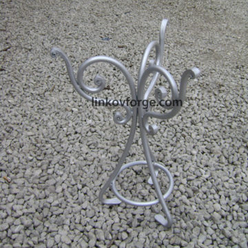 Wrought iron table <br>8