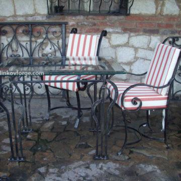 Маса и столове от ковано желязо  <br>1